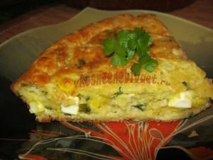 Пирог с луком и яйцом