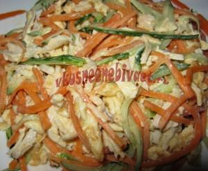 Готовый салат с корейской морковкой